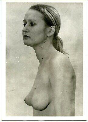 Akt Portrait junge hübsche Frau nackt im Profil Vintage c