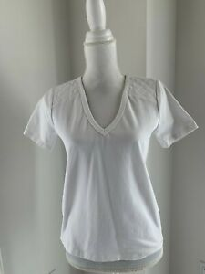 Veronica Beard Jeans White Quilted Shoulder V Neck Tee T-Shirt Top S