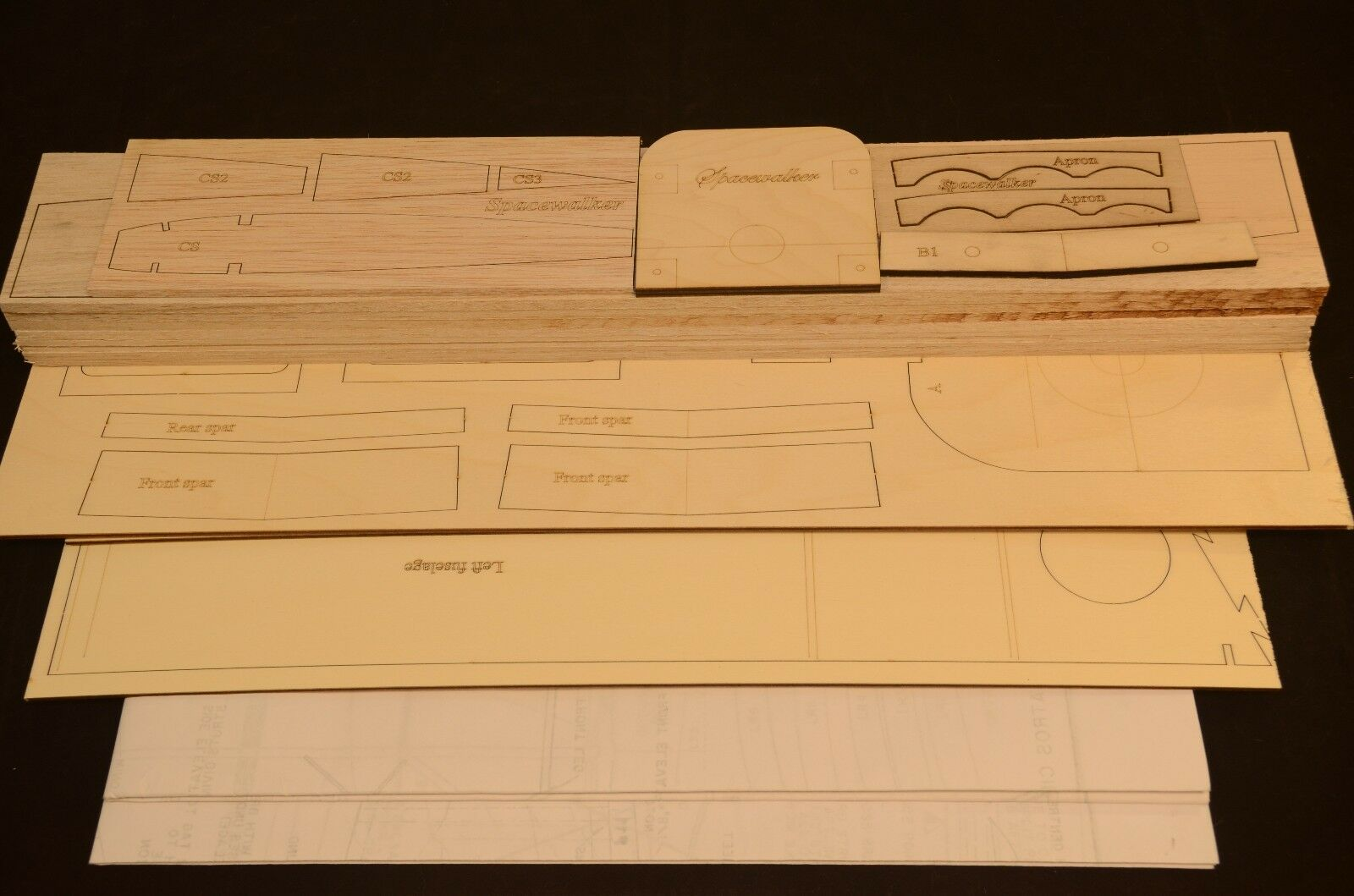 1/4.3 Escala Kit De Corte Láser Spacewalker Corto & planes 78 en ala palmo