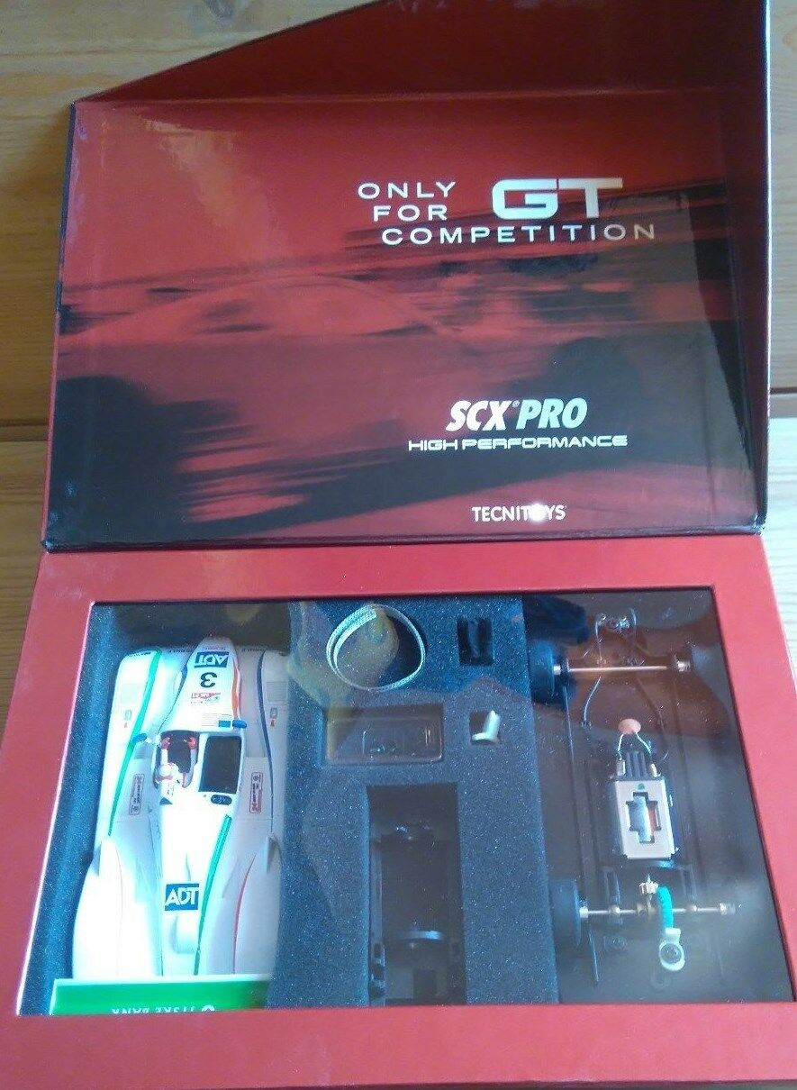 SCX Pro - 50260-Audi R8 Le Femmes 2005 vainqueur (Tom (Tom (Tom Kristensen) échelle 1:32 - Neuf b03e0f