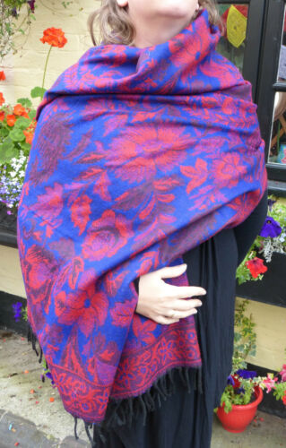 Floral Indian Made Soft Acrylic Large Shawl Blue /& Red Reverseable WM100