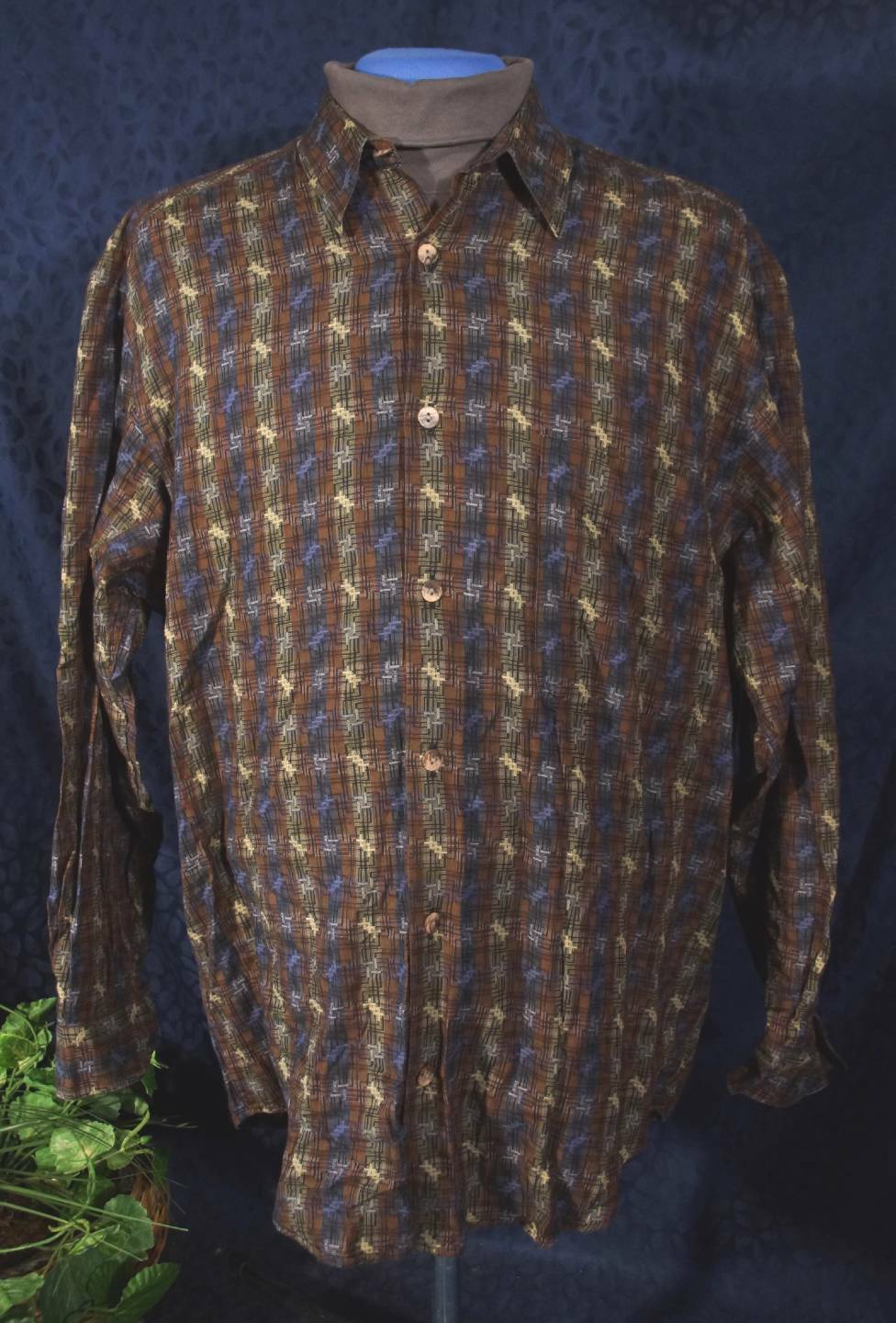 Nice Dark Multi-colord JHANE BARNES Geometric Long Sleeve Shirt  Sz M