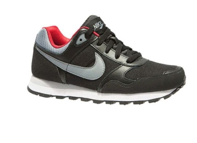 competitive price c9b5b 29c53 Nike MD Runner GS Black Cool Grey Gym Red Boys Girls Ladies Trainers