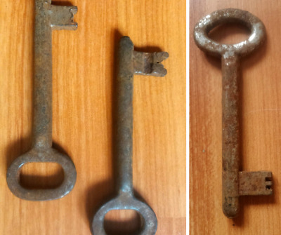 Authentic Skeleton Key Antique Vintage Rusty Iron 93mm Steampunk ONE KEY