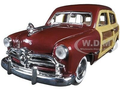 1949 FORD WOODY WAGON BURGUNDY 1:24 DIECAST MODEL CAR BY MOTORMAX 73260