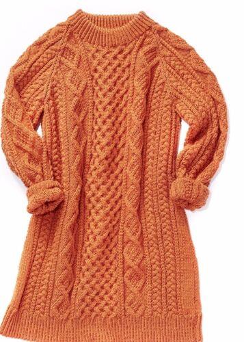 "62/"" Knitting Pattern-Belles Dames Motif torsade robe en Aran buste 28/"""