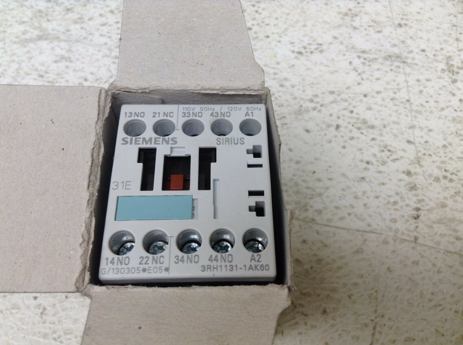 Siemens 3rh1131 1ak60 110 120 Vac 3 No 1 Nc Contact Relay With And Contacts 3rh11311ak60 New