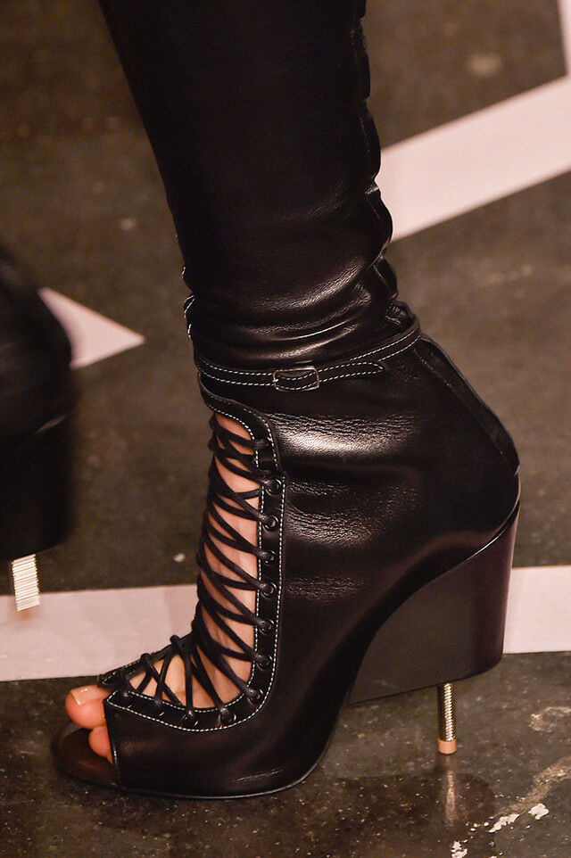 GIVENCHY RUNWAY UNIQUE LACE UP OPEN TOE schwarz LEATHER ANKLE Stiefel I LOVE schuhe