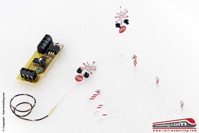 RAIL-MOD 00789 - H0 1 87 - Kit passaggio a livello 2 binari con laterne a led in