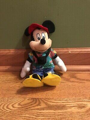 Disney Store beanbag plush TOURIST MICKEY MOUSE w//Hawaiian Shirt /& Camera NEW