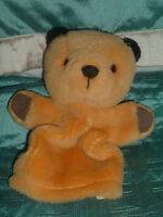 SOOTY AND SWEEP SOOTY  HAND PUPPET  PLUSH SOFT TOY (b)