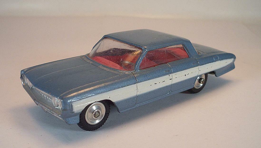 CORGI TOYS nº 235 Oldsmobile Super 88 bleumetallic Blanc  6636