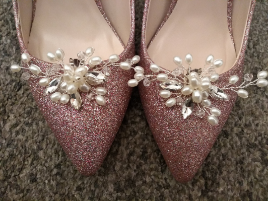 Pretty Hand wired Pearl Shoe Clips. Pearl Shoe Clips. Wedding Accessories.