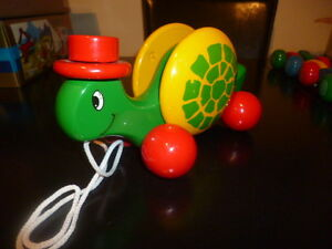 EXTRA RARE WOODEN PULL TOY GREEK KOUVALIAS - COLOR TOP HAT TURTLE - VINTAGE