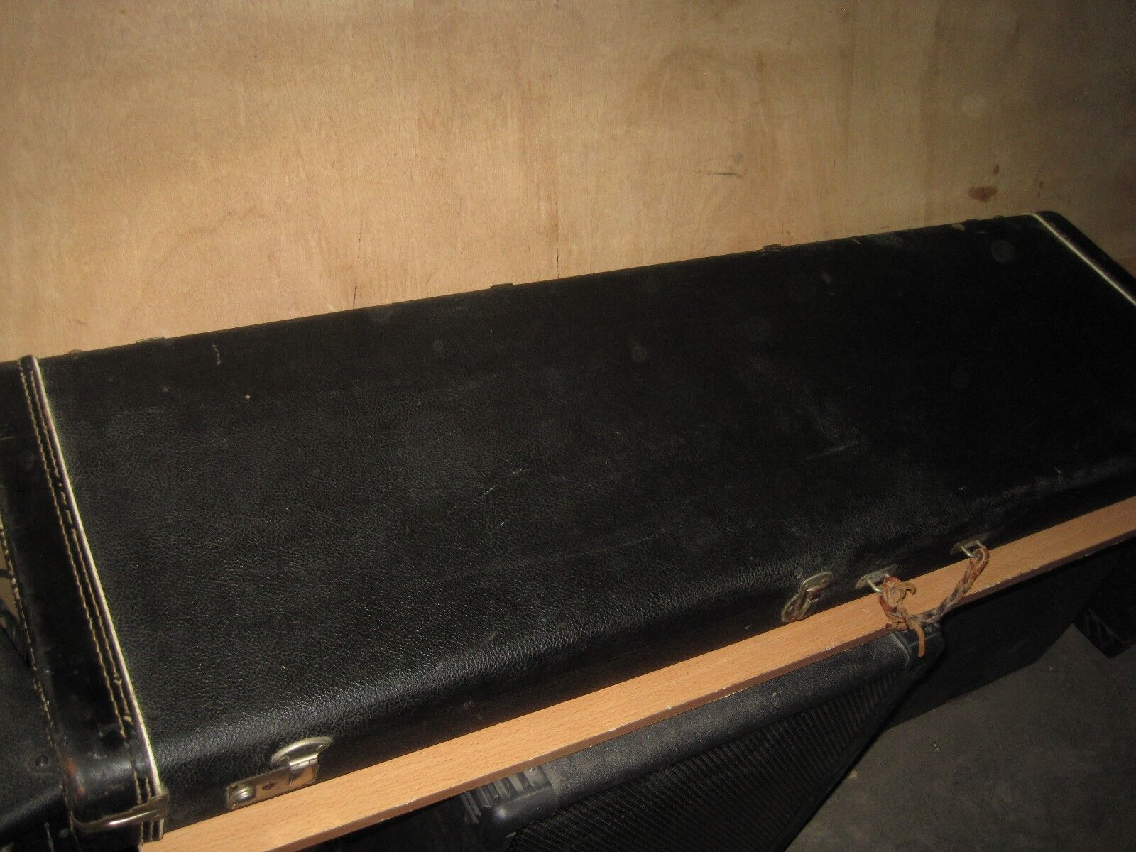 1966 FENDER PRECISION   JAZZ BASS CASE - made in USA