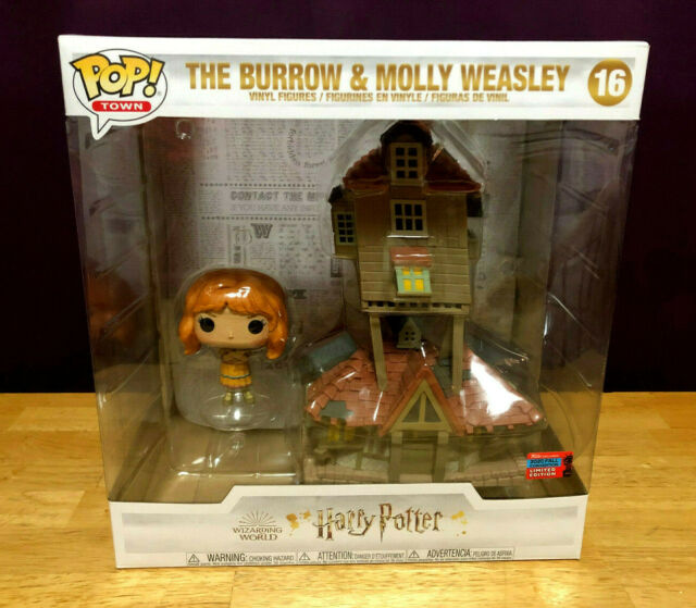 Funko Pop Town! NYCC 2020 Harry Potter #16 The Burrow & Molly Weasley