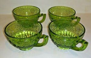 Four-4-vintage-daisy-by-indiana-green-glass-tea-coffee-cups