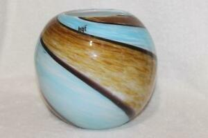 GORGEOUS-ROUND-BALL-VASE-BLUE-AND-BROWN-SWIRL-ART-GLASS-HAND-MADE-HGT-9-034-X-8-034