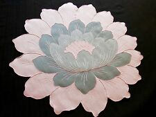 PINK LOTUS FLOWERS Vtg MADEIRA 18 Pc Linen PLACEMATS & NAPKINS Hand Embroidery