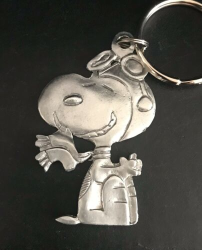 Pewter Silver SNOOPY Pilot Flying Charlie Brown Peanuts Figurine Keychain A