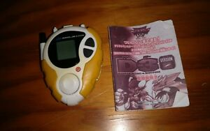 2000-Bandai-Digimon-Digital-Monsters-Used-Yellow-D3-Version-2-Digivice-Toy-As-Is