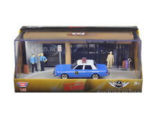 """THE USUAL SUSPECTS"" 1983 DODGE DIPLOMAT DIORAMA 1/43 MODEL CAR MOTORMAX 73864"