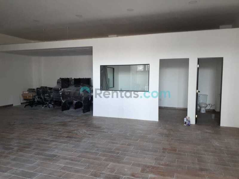 Local comercial en renta Plaza Peñuelas
