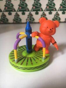 Color-Me-Merry-color-Hallmark-RECUERDO-Crayola-Ceras-Ornamento-punta