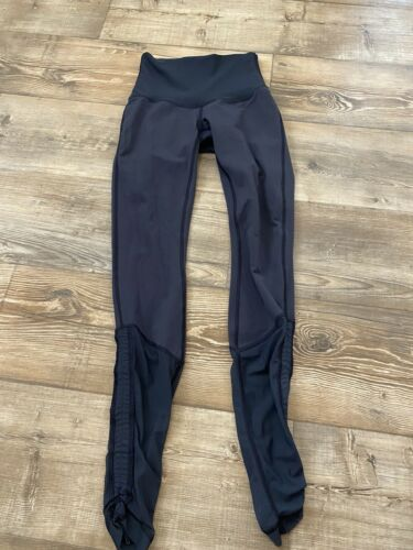 Lululemon Size 4 Navy Blue Dark Sweaty Endevor Leg