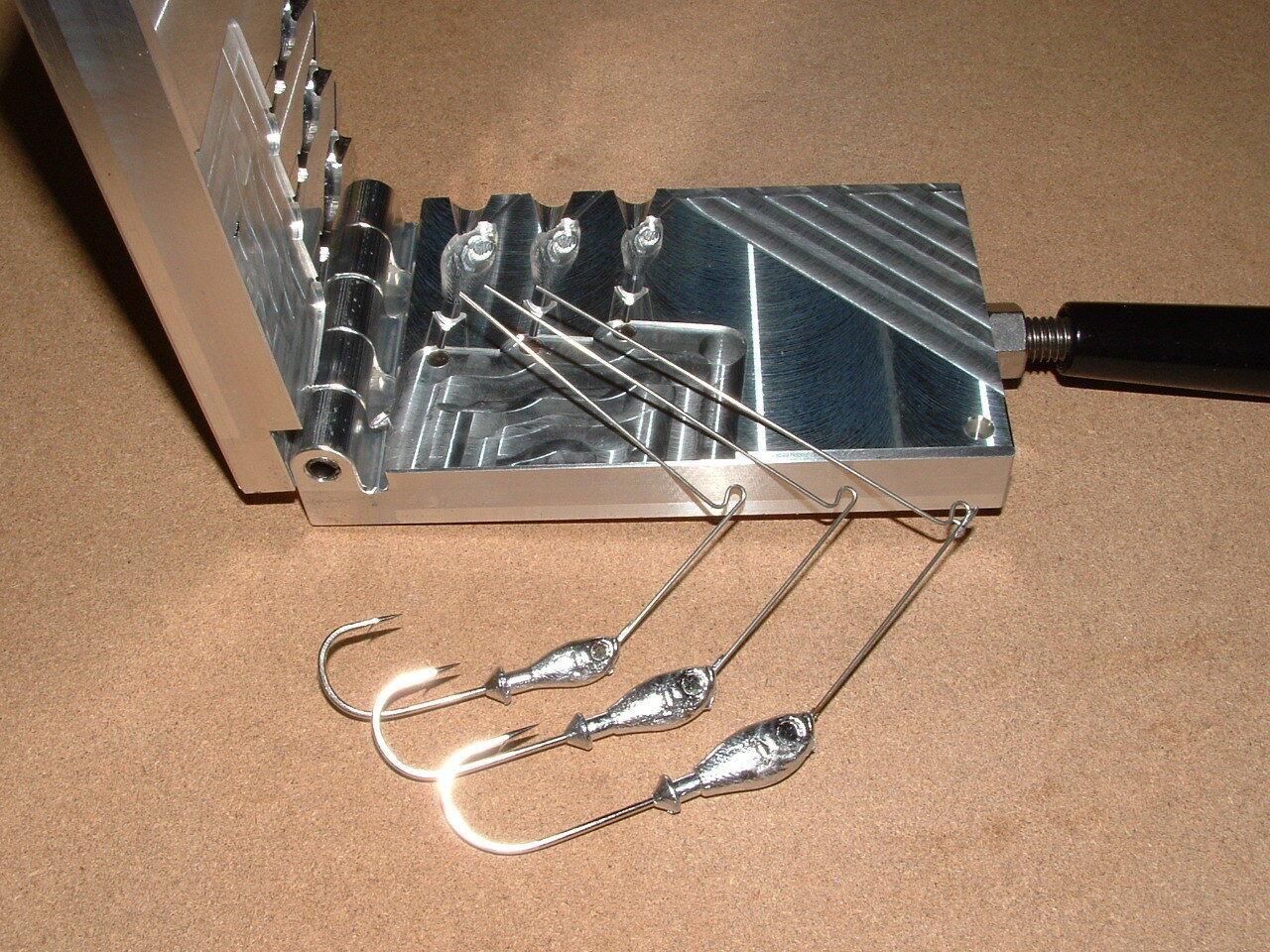 Freshwater Spinnerbait 11  mold 14, 38, 12oz CNC Aluminum