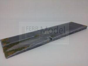 FERRMODEL-230-Base-per-magazzino-merci-FS-con-rampa-Scala-H0