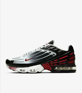 Paires De Chaussure Nike AIR MAX PLUS  3 : taille : 36,38,40,41,42,44,45,46,48