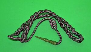 Fourragere-French-WWII-green-amp-red-shoulder-cord-aiguillette-with-brass-tip