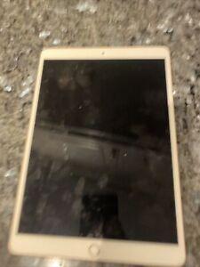 Apple IPAD Air 3 (3rd Génération), 64GB, Cellulaire Rose Or LCD Défectueux.