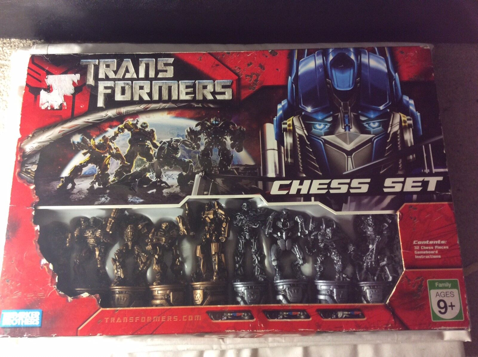 Collectable Transformers Chess Set 100% Complete Hasbro 2007