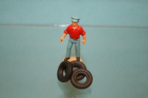 Lot de 4 pneus pour PEUGEOT J7 Dinky Toys Réf 570//570A//570P DO14