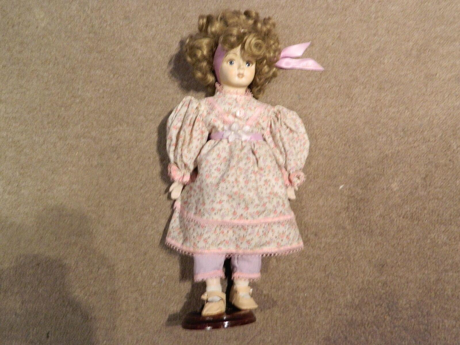 VINTAGE Bambola di porcellana handmade by Julie macellaio