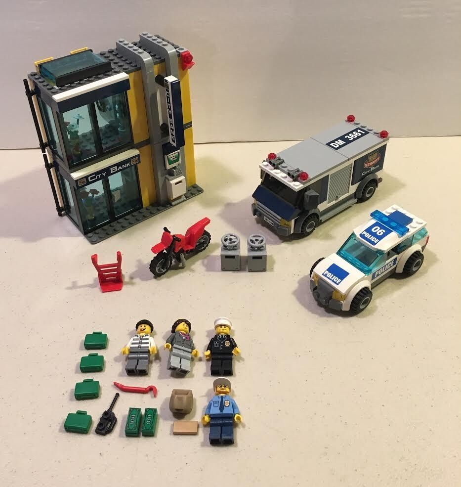 Lego 3661 City Police Bank & Money Transfer Set 2011 Minifigs