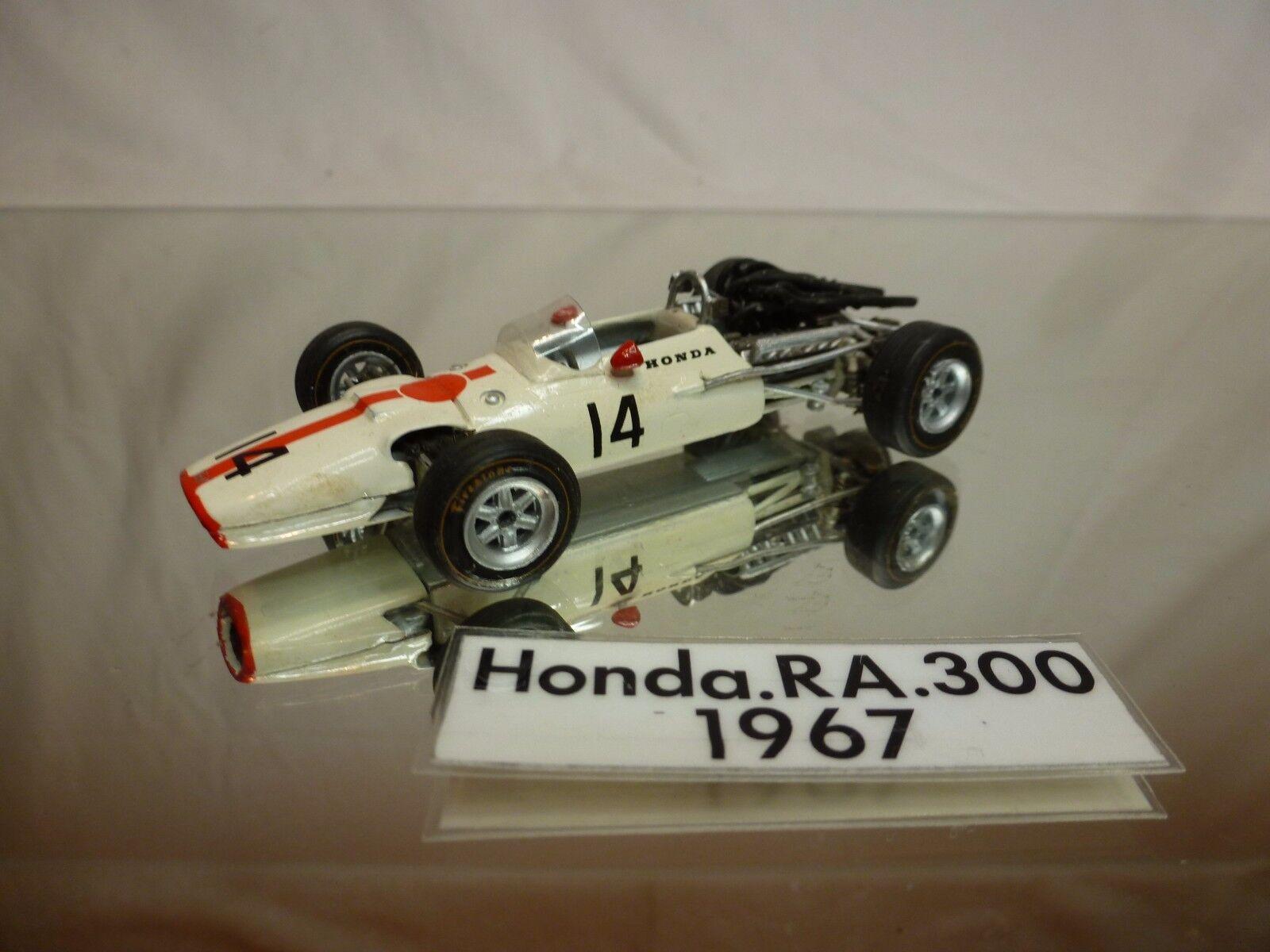 SRC  KIT (built) HONDA RA300 - 1967 JOHN SURTEES No 14 - F1 blanco 1 43 - NICE