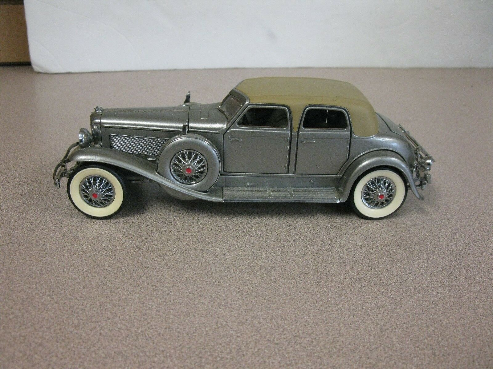 Franklin Mint 1933 Duesenberg  Twenty Grand Scale 1 24