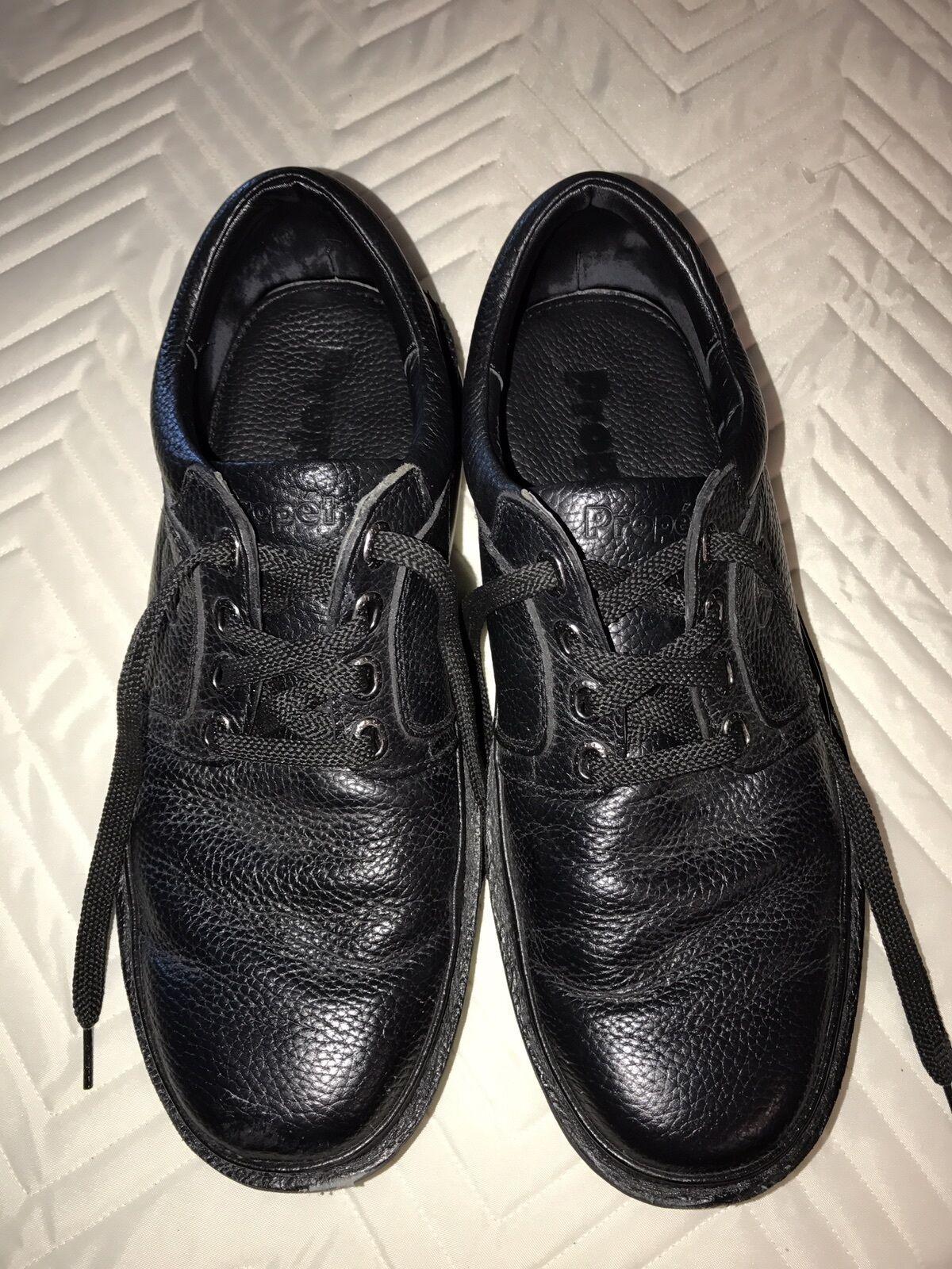 Men's Propet Shoes.  M4070 Black Leather SIZE 13 US.  Width MED(D).