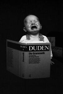 Poster-50x70-cm-neu-Lustiges-Schulanfang-Kinder-Duden-Baby-Deutschlernen