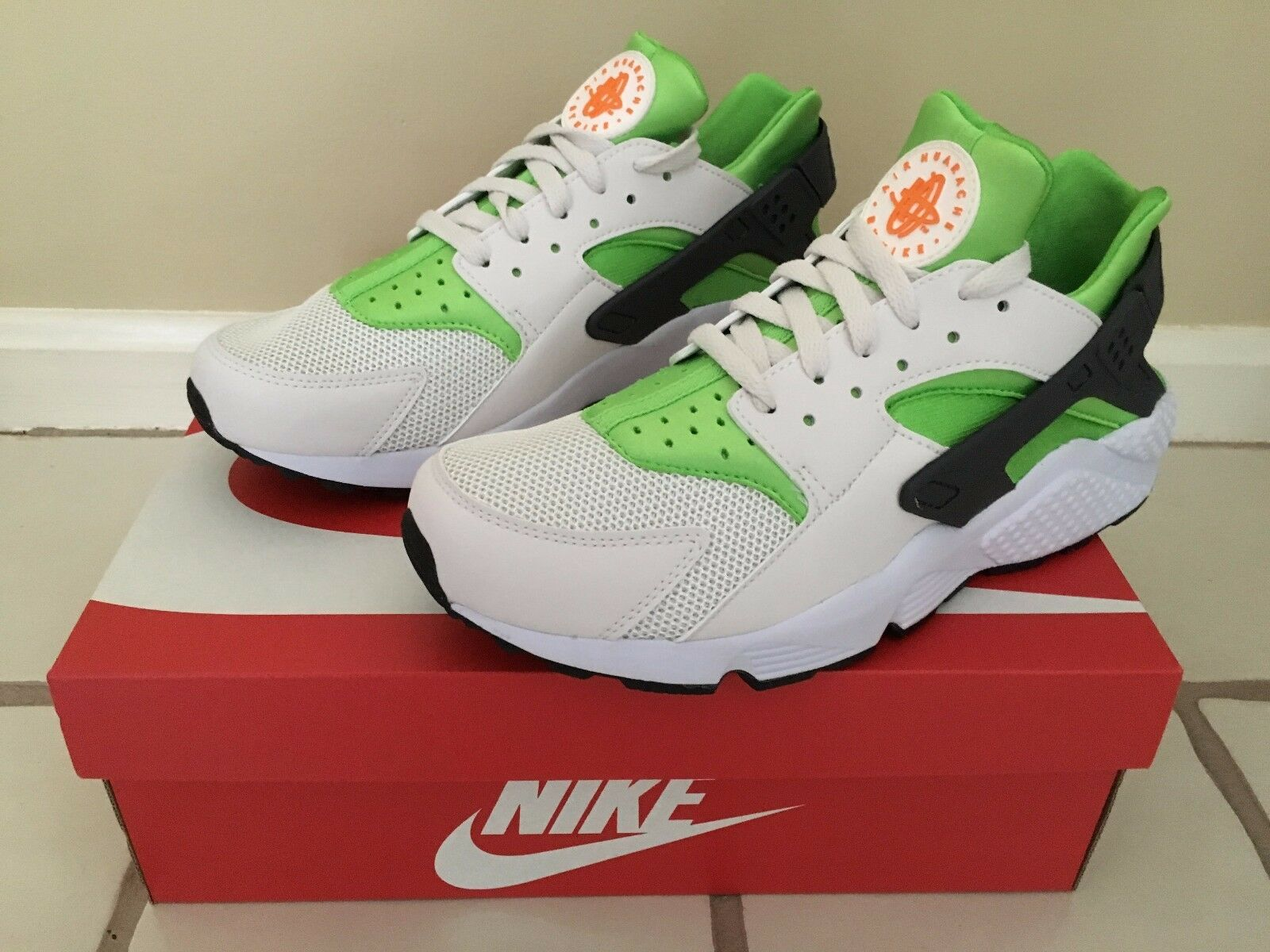 NIKE AIR HUARACHE SNEAKERS SIZE 10 318429304 BRAND NEW BEST OFFER