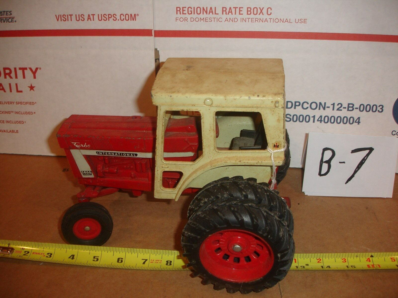 1/16 international 1466  series toy tractor