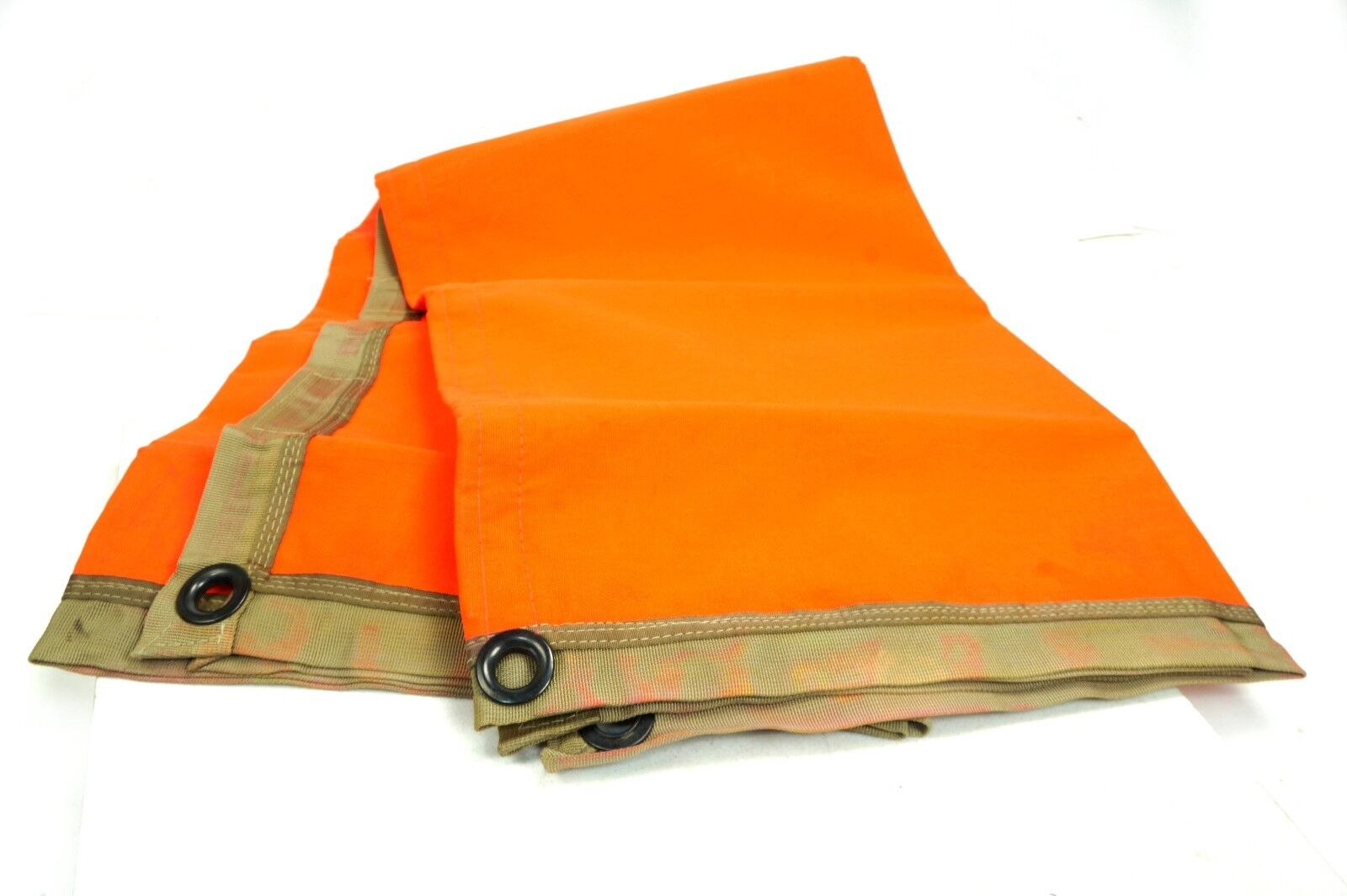 Thermal Reflective Emergency Rescue Blanket 4ftx4ft with case NOS
