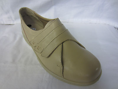 Easy B Damen breite Passform Schuhe 'Bakewell'