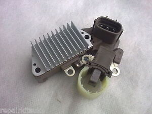 DEFENDER-amp-DISCOVERY-2-5-DIESEL-TD5-1998-2006-ALTERNATOR-REGULATOR-amp-BRUSHBOX