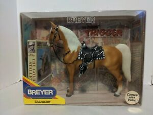 BREYER TRADITIONAL HORSE #758 ROY ROGERS TRIGGER NEW IN BOX WITH VHS VIDEO
