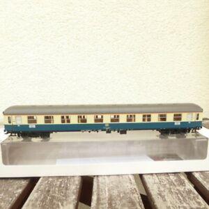 Maerklin-43911-Schnellzugwagen-Am-203-der-DB-Epoche-4-5-mit-LED-Licht-neuwertig