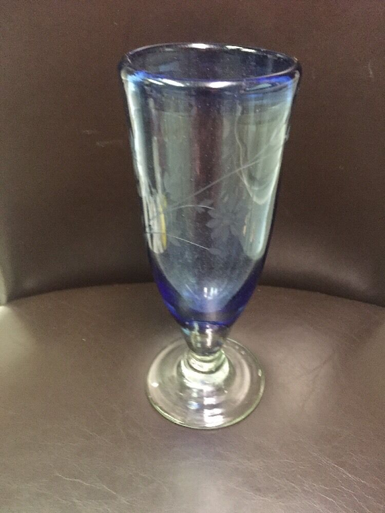 blueE HAND BLOWN ETCHED FLORAL 8 3 4  STEMMED GLASS (1) UNKNOWN MAKER